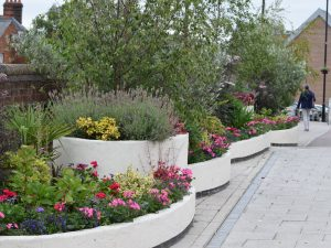 replant commercial garden containers
